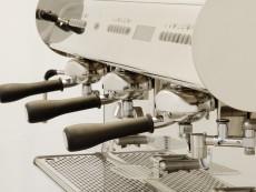 Circolare,…Eine PID-Steuerung macht's möglich: Espresso- und Milchschaumgetränke der Spitzenklasse