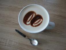 Cappuccino-Schablonen mit Logo…